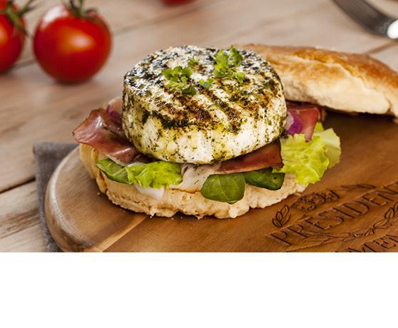 Burger s grilovaným camembertem