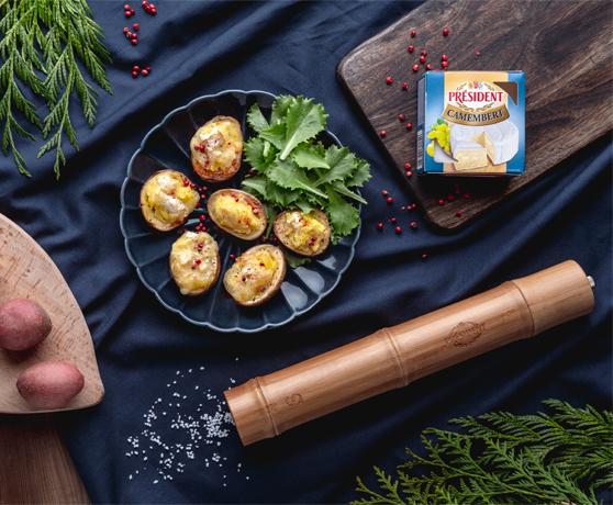 Zapečené lodičky z brambor plněné camembertem