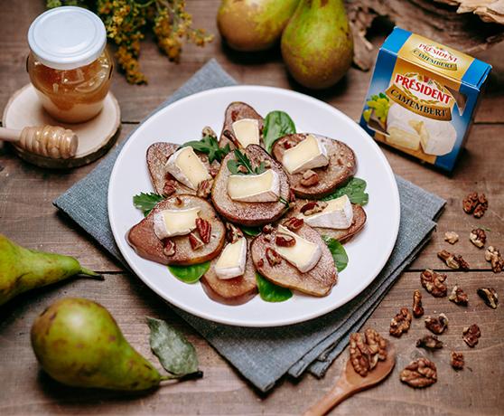 Hrušky s camembertem a ořechy